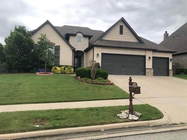 14191 S Kingston Avenue, Bixby, OK 74008 (MLS #2118378) :: 580 Realty