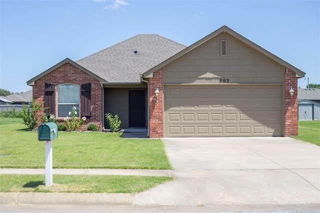 205 Vail Circle, Kiefer, OK 74041 (MLS #2118397) :: Active Real Estate