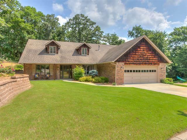 2917 Greenwood Court, Bartlesville, OK 74006 (MLS #2118408) :: Active Real Estate
