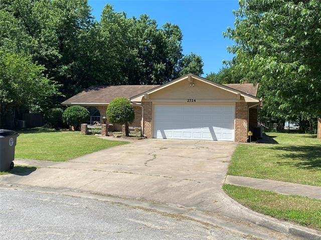2724 S 109th East Avenue, Tulsa, OK 74129 (MLS #2118631) :: House Properties