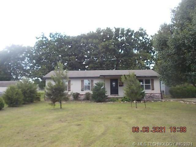 53 Plantation Estates Lane, Pryor, OK 74361 (MLS #2118650) :: Owasso Homes and Lifestyle