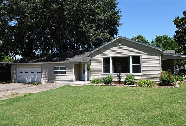 860 Chickasaw Place, Sallisaw, OK 74955 (MLS #2118733) :: 580 Realty