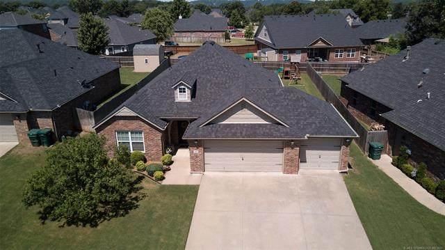 3906 S Maple Avenue, Sand Springs, OK 74063 (MLS #2118779) :: 918HomeTeam - KW Realty Preferred