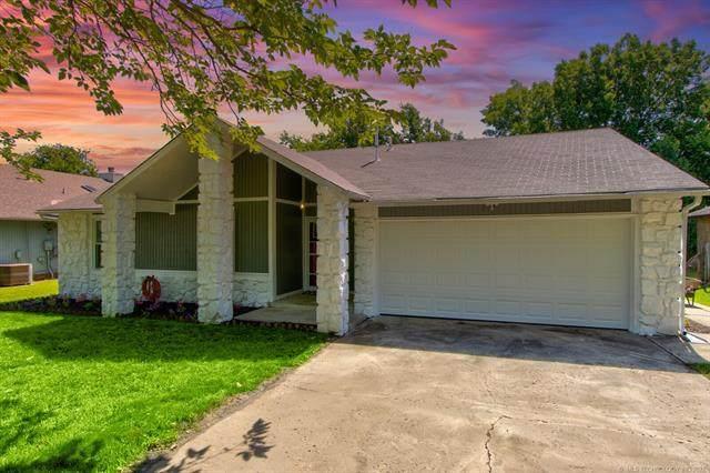 13899 S Poplar Place, Glenpool, OK 74033 (MLS #2118857) :: 918HomeTeam - KW Realty Preferred