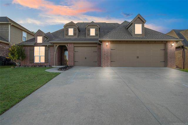 13335 S 21st Street, Bixby, OK 74008 (MLS #2118861) :: House Properties