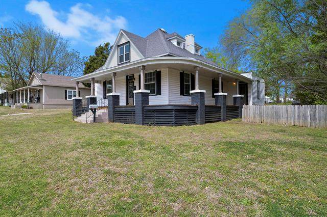 1410 W Main Street, Collinsville, OK 74021 (MLS #2119037) :: Hopper Group at RE/MAX Results