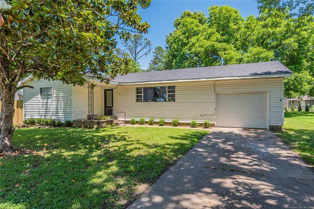 903 W Spruce Street, Haskell, OK 74436 (MLS #2119038) :: Active Real Estate