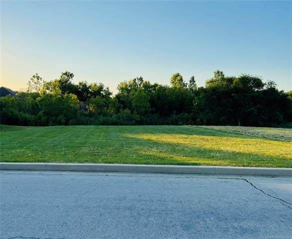 8447 Spring Creek Court, Claremore, OK 74019 (MLS #2119147) :: 580 Realty