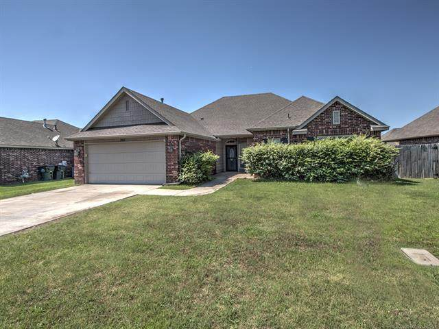 12421 E 128th Street North, Collinsville, OK 74021 (MLS #2119149) :: Hopper Group at RE/MAX Results