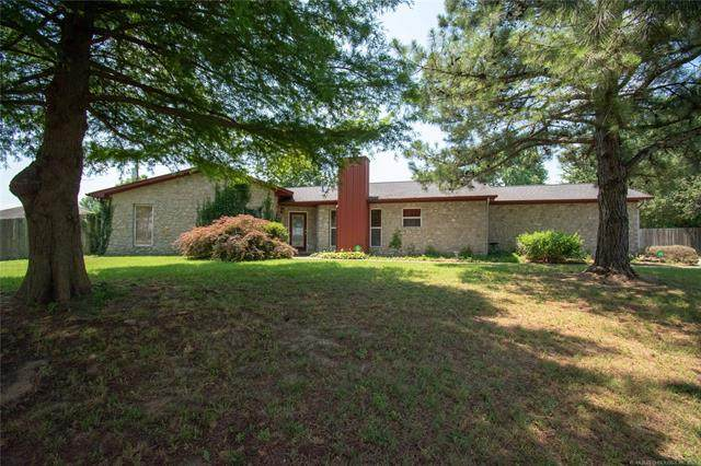10944 E 510 Road, Claremore, OK 74019 (MLS #2119196) :: Hopper Group at RE/MAX Results