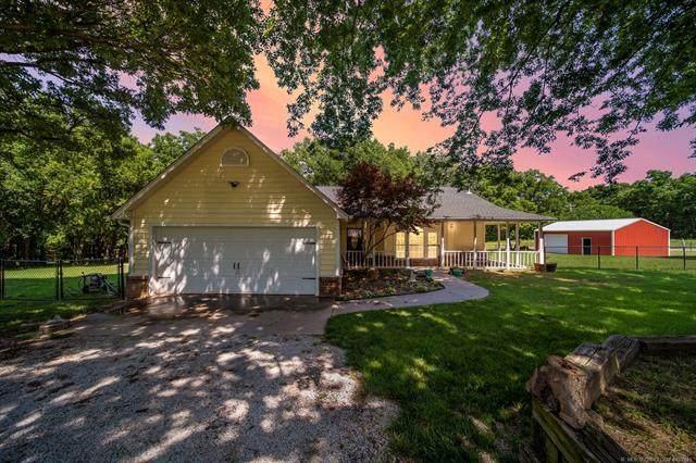 11995 S Cherrywood Drive, Claremore, OK 74017 (MLS #2119222) :: 918HomeTeam - KW Realty Preferred