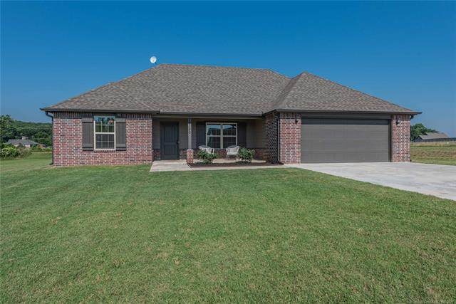 19390 S Coyote Drive, Claremore, OK 74019 (MLS #2119314) :: Hopper Group at RE/MAX Results