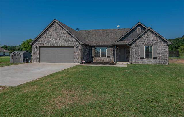 19420 S Coyote Drive, Claremore, OK 74019 (MLS #2119315) :: Hopper Group at RE/MAX Results