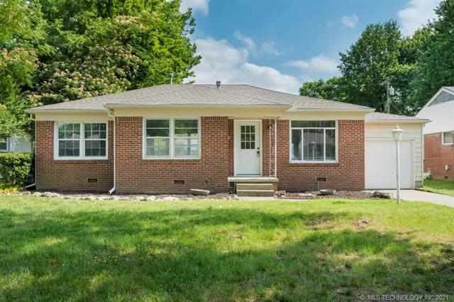 1528 E 49th Place, Tulsa, OK 74105 (MLS #2119381) :: Active Real Estate
