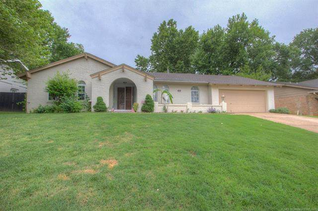 2912 E 77th Place, Tulsa, OK 74136 (MLS #2120009) :: Active Real Estate