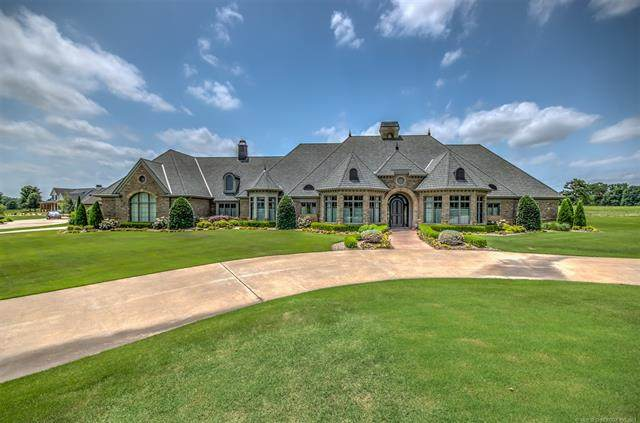 2607 Starview Circle, Bartlesville, OK 74006 (MLS #2120137) :: 580 Realty