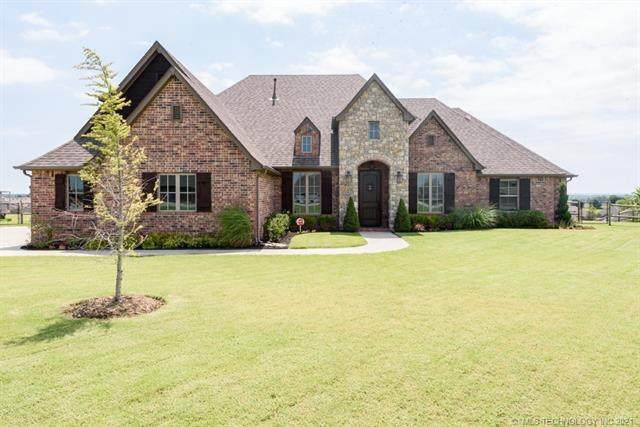 8717 N 71st East Avenue, Owasso, OK 74055 (MLS #2120270) :: Hopper Group at RE/MAX Results