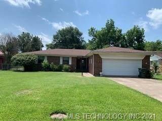 1726 E 9th Street, Okmulgee, OK 74447 (MLS #2120860) :: Owasso Homes and Lifestyle