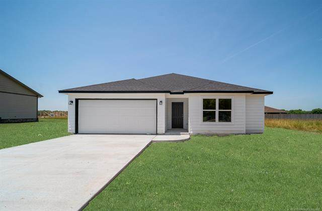 445 Brandon Street, Vinita, OK 74301 (MLS #2120875) :: 918HomeTeam - KW Realty Preferred