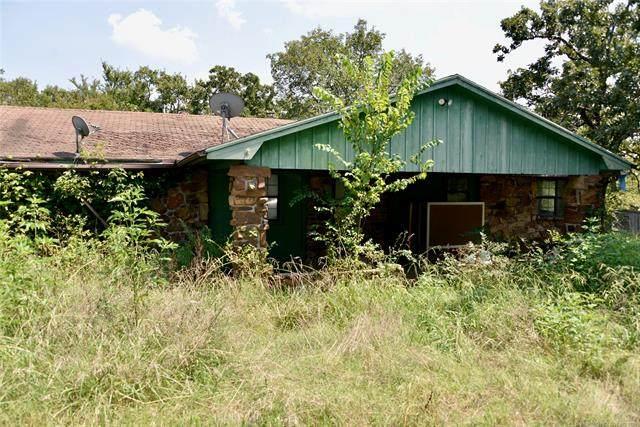 9080 Hedge Road, Henryetta, OK 74437 (MLS #2121146) :: 918HomeTeam - KW Realty Preferred