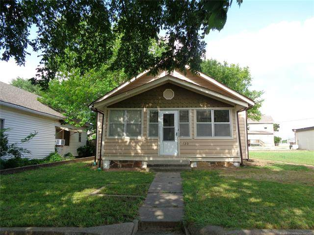 120 S Creek Avenue, Bartlesville, OK 74003 (MLS #2121275) :: Hopper Group at RE/MAX Results