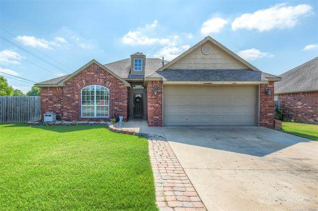 7519 N 134th Avenue, Owasso, OK 74055 (MLS #2121297) :: Hopper Group at RE/MAX Results