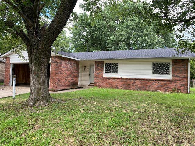 2255 S 118th East Avenue, Tulsa, OK 74129 (MLS #2121429) :: Owasso Homes and Lifestyle