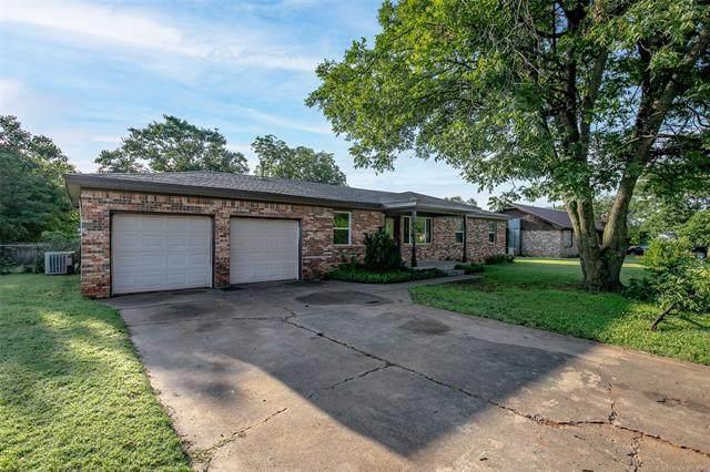 1106 NW 4th Street, Lindsay, OK 73052 (MLS #2121597) :: 918HomeTeam - KW Realty Preferred