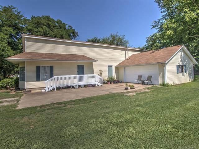 230 E Cooweescoowee Avenue, Oologah, OK 74053 (MLS #2122156) :: 580 Realty