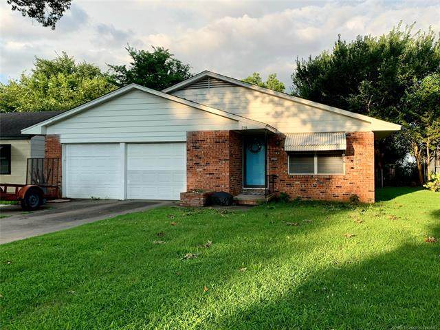 1938 S Dewey Avenue, Bartlesville, OK 74003 (MLS #2122920) :: Hopper Group at RE/MAX Results