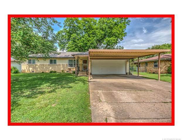 329 Meadowlark Avenue, Bartlesville, OK 74006 (MLS #2123127) :: 918HomeTeam - KW Realty Preferred