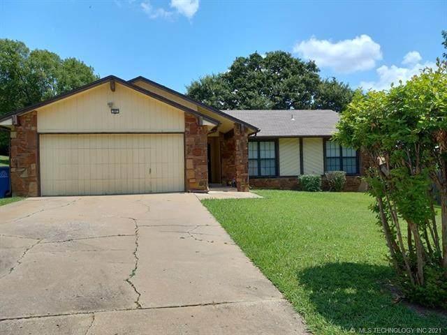 907 N Zenith Place, Tulsa, OK 74127 (MLS #2123364) :: 918HomeTeam - KW Realty Preferred