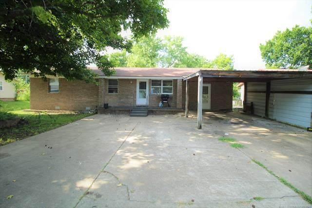 303 W Denton Avenue, Sallisaw, OK 74955 (MLS #2123381) :: 918HomeTeam - KW Realty Preferred