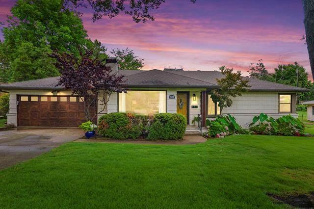2655 E 33rd Place, Tulsa, OK 74105 (MLS #2123479) :: 918HomeTeam - KW Realty Preferred
