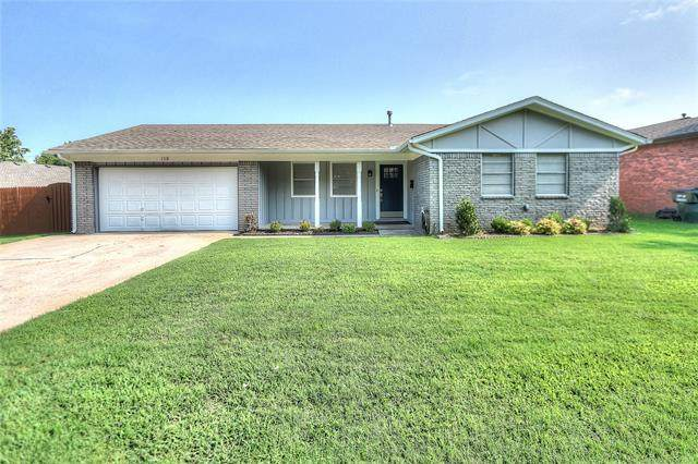 113 W 19th Street, Owasso, OK 74055 (MLS #2123664) :: Hopper Group at RE/MAX Results
