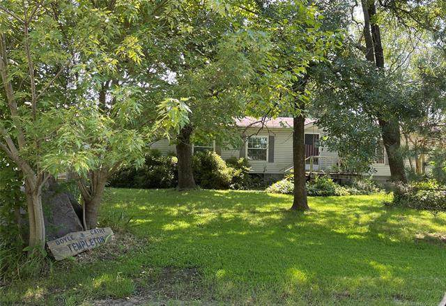 108 N Springfield, Welch, OK 74369 (MLS #2123749) :: Active Real Estate