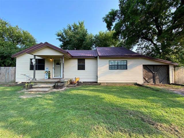 300 Ash Street, Warner, OK 74469 (MLS #2123909) :: 918HomeTeam - KW Realty Preferred