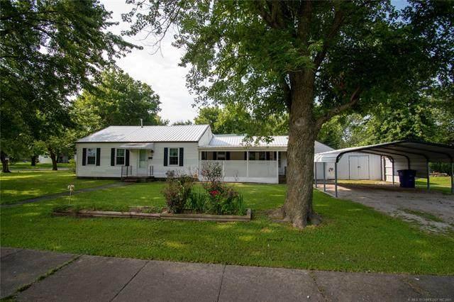 422 E Osage Avenue, Nowata, OK 74048 (MLS #2124068) :: 918HomeTeam - KW Realty Preferred