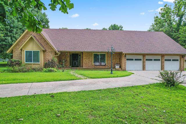 10506 E 156th Street North, Collinsville, OK 74021 (MLS #2124070) :: Hopper Group at RE/MAX Results