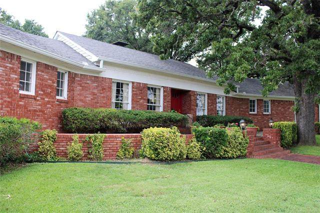 109 Country Club Road, Ardmore, OK 73401 (MLS #2124146) :: Hopper Group at RE/MAX Results
