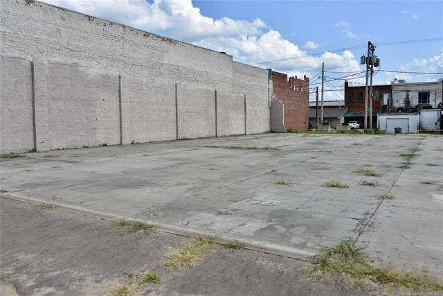419 W Trudgeon Street, Henryetta, OK 74437 (MLS #2124342) :: 580 Realty