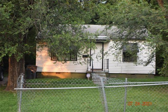 2413 N Yorktown Avenue, Tulsa, OK 74110 (MLS #2124716) :: 918HomeTeam - KW Realty Preferred