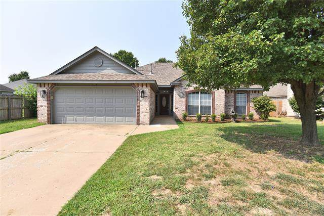 10736 E 120th Street North, Collinsville, OK 74021 (MLS #2125338) :: Active Real Estate
