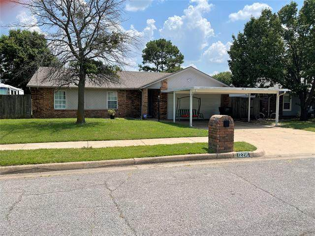 12216 E 81st Place North, Owasso, OK 74055 (MLS #2125477) :: Active Real Estate
