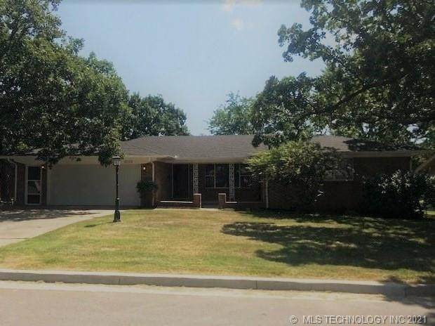 2002 Cardinal Lane, Mcalester, OK 74501 (MLS #2126083) :: Owasso Homes and Lifestyle