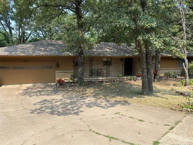 3304 Woodland Road, Bartlesville, OK 74006 (MLS #2126123) :: 918HomeTeam - KW Realty Preferred
