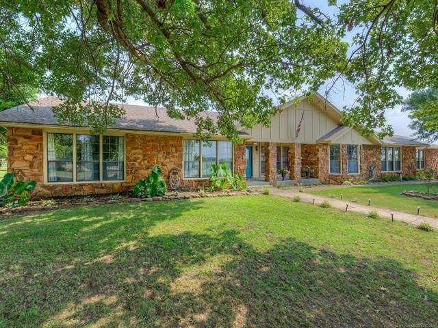 9 Carriage Road, Sapulpa, OK 74066 (MLS #2126149) :: Owasso Homes and Lifestyle
