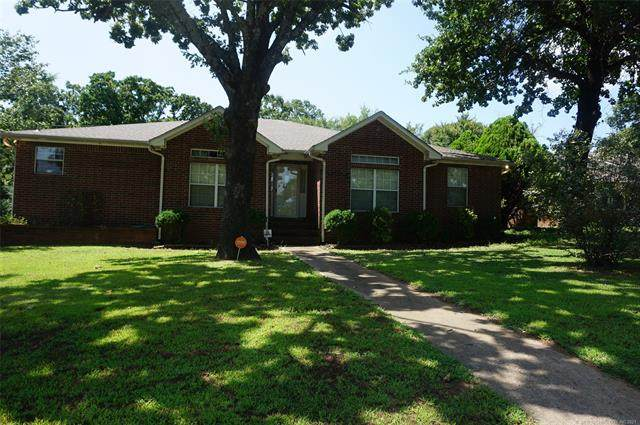 910 Timbercrest Street, Okmulgee, OK 74447 (MLS #2126190) :: Hopper Group at RE/MAX Results
