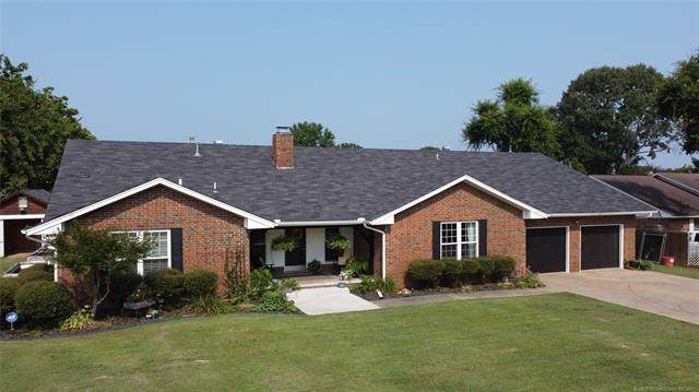 1305 NW 10th Street, Stigler, OK 74462 (MLS #2126567) :: Hopper Group at RE/MAX Results
