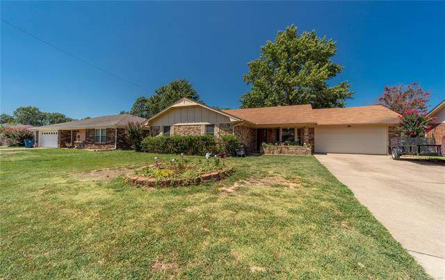 301 Saunier, Mcalester, OK 74501 (MLS #2126753) :: Hopper Group at RE/MAX Results
